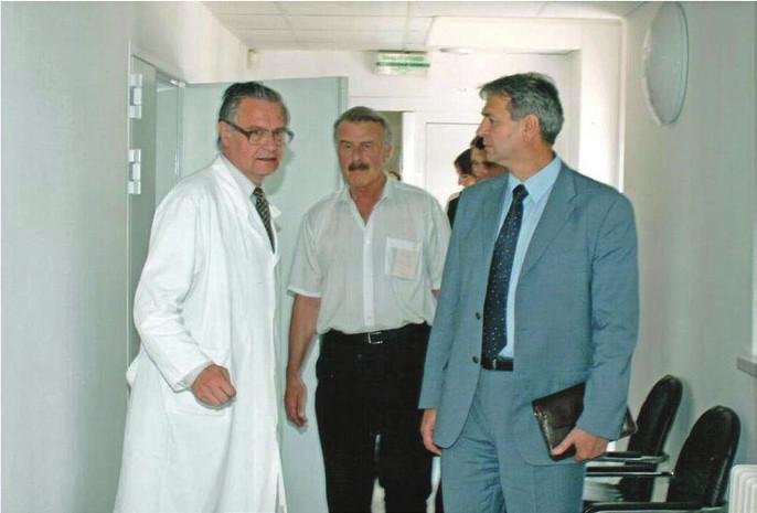 Návšteva Európskych poslancov na prvom PET pracovisku.
