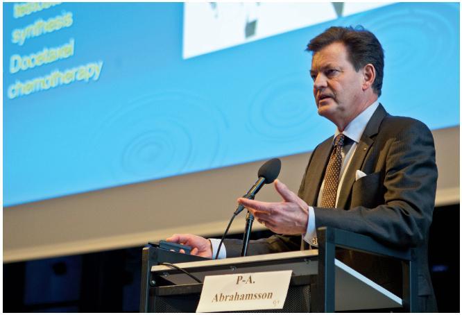 Předseda Evropské urologické asociace prof. P. A. Abrahamsson při své přednášce na téma karcinom prostaty