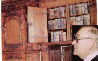MUDr. Josefa Marka bylo možno nejsnáze najít v knihovně.