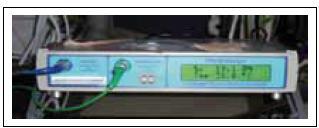 Nejvíce rozšířený přístroj (Licox) pro měření mozkové tkáňové oxymetrie (PtiO<sub>2</sub>).