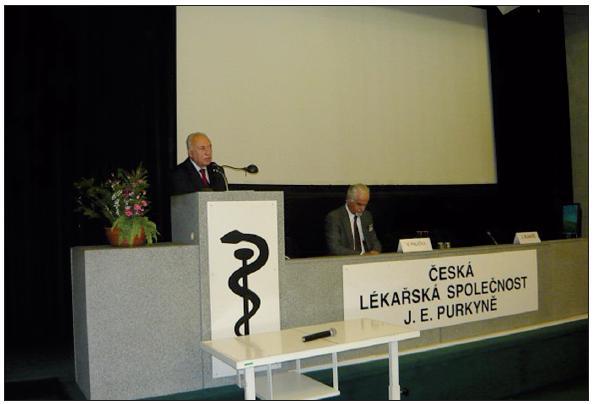 Předseda ČLS JEP prof. MUDr. Jaroslav Blahoš, DrSc, při vystoupení na kongresu