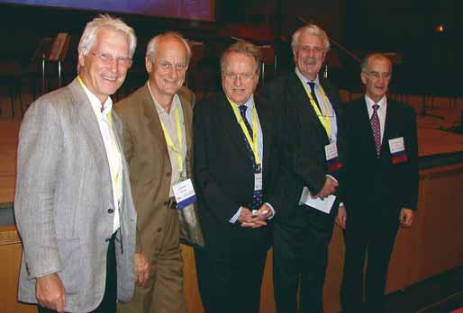 První čtyři prezidenti EFNS zachyceni pohromadě. Zprava třetí prezident prof. W. D. Heiss, čtvrtý prezident prof. J. de Reuck, první prezident prof. F. Gerstenbrand a druhý prezident prof. J. Olesen. Nejvíce vlevo je pokladník EFNS prof. E. Deisenhammer.