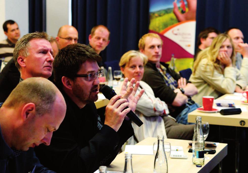 Setkání provázela rozsáhlá neformální diskuse
