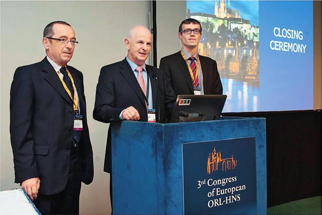 Kongresový výkonný výbor: zleva prof. Jan Klozar, prof. Jan Betka, prof. Jan Plzák.