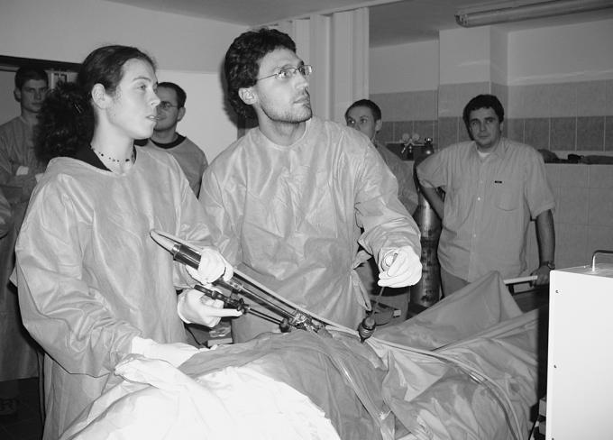 Praktická výuka laparoskopických výkonů na fixovaném kadaveru