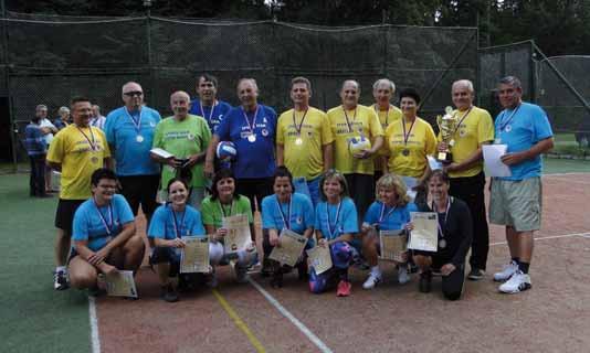 Srdíčkáři si zahráli volejbal proti lékařům a sestrám.