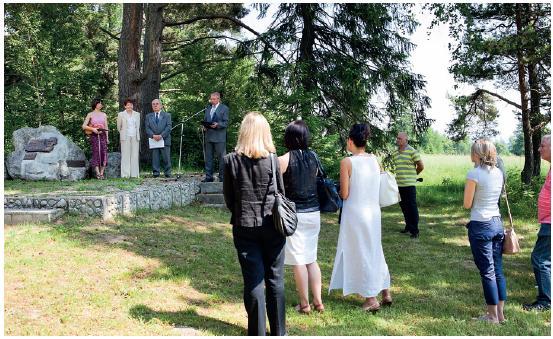Otvorenie prvej časti VII. medicínsko-literárneho memoriálu Franza Kafku pri jeho pamätníku v Tatranských Matliaroch