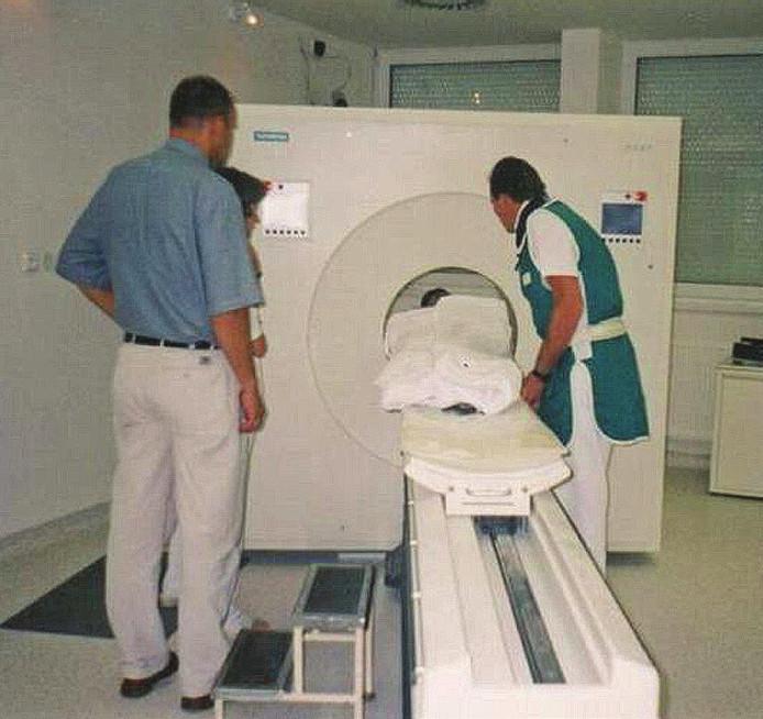 Prvý pacient na PET vyšetrení.