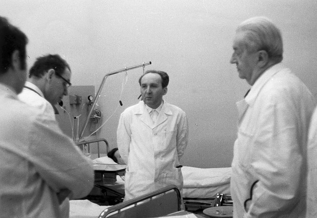 S prof. Josefem Charvátem (vpravo) a prof. Vladimírem Pacovským při vizitě