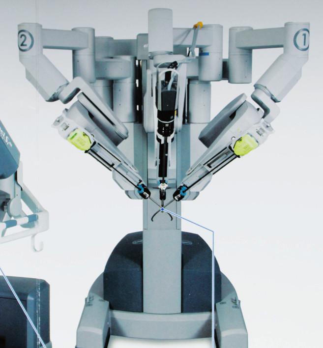 Robotické LEES instrumentárium u systému Da Vinci SI (2012) Fig. 2. Robotic LESS instrumetarium by system Da Vinci SI (2012)