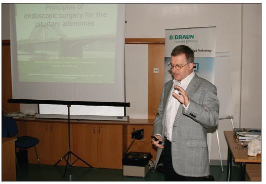 Profesor Andre Grotenhuis z Neurochirurgické kliniky Radboud University Medical Center Nijmegen v Holandsku.