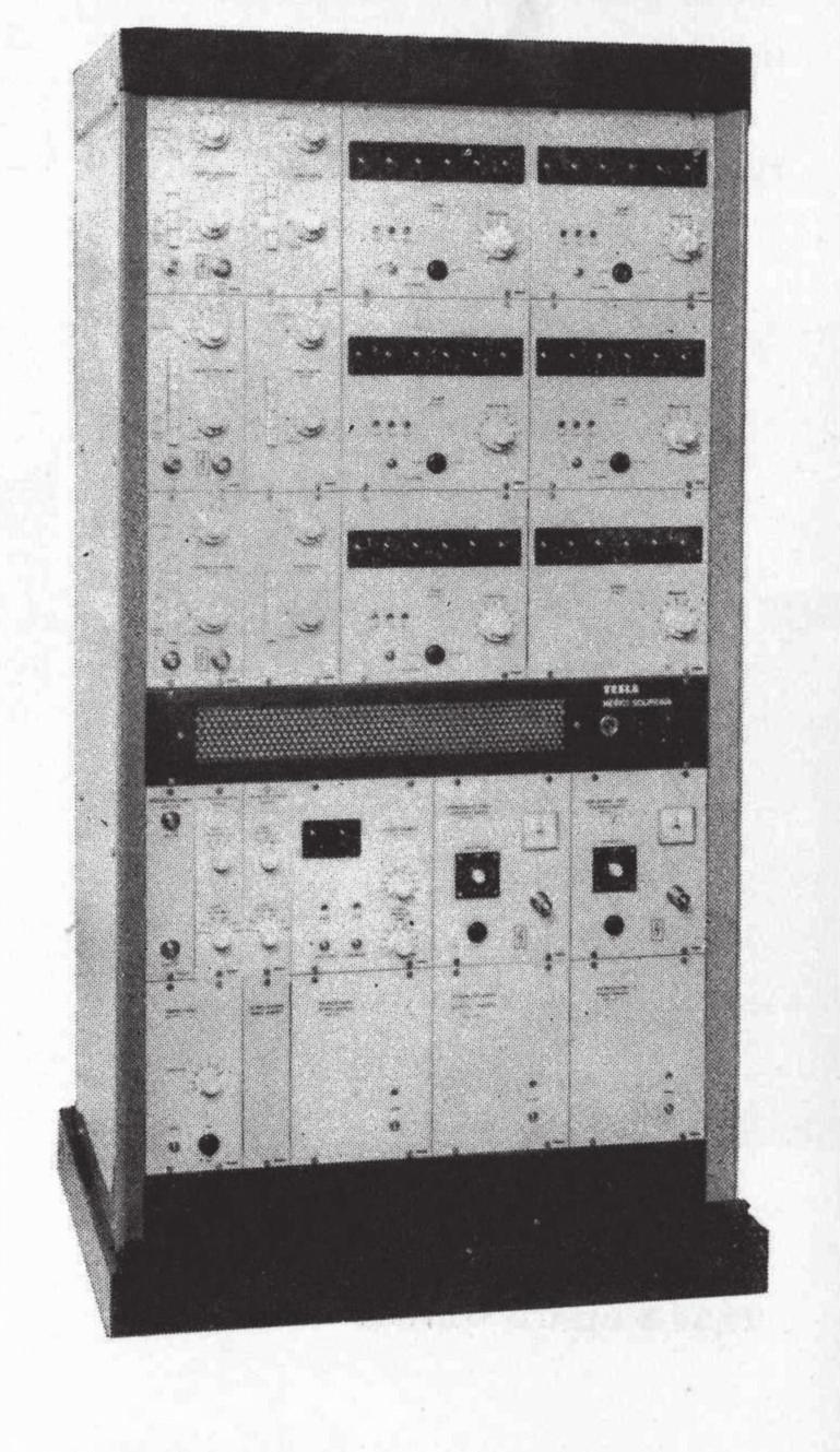 Elektronkový spektrometr sestavený ze samostatných dílů, výroba VÚPJT