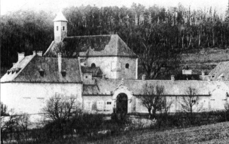 Lovecký zámeček Mayerling v roce 1888.