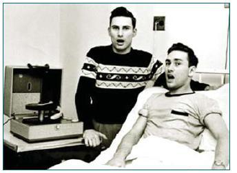 Dárce a příjemce první úspěšné transplantace ledviny – Ron a Richard Herrickovi (foto www.google.cz).