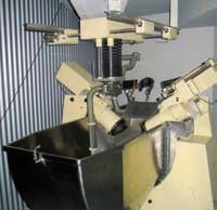 Litotryptor Dornier HM1 Fig. 3 Dornier HM1 lithotripter
