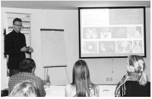 Přednášky v rámci sekce diskuzního semináře mladých revmatologů (MUDr. Michal Tomčík při svém sdělení)