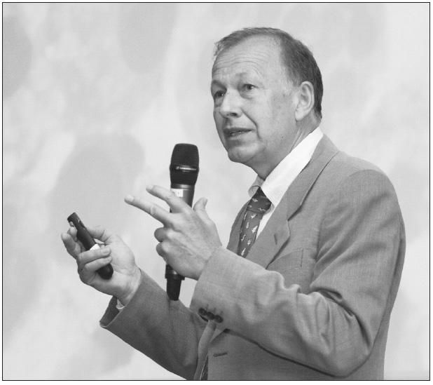 Profesor Jan Hastka z Mannheimu přednášel o morfologii a imunocytologii pleurálních výpotků.