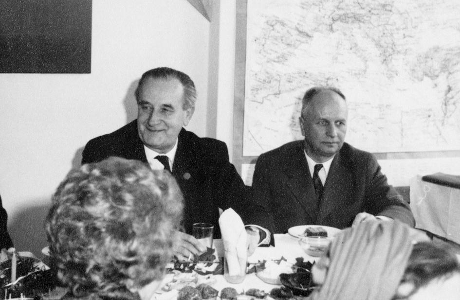 Skála Apolinářský (60./70. léta s profesorem Dobiášem).