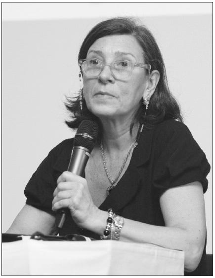 """Profesorka Gina Zini z římské Katolické univerzity Svatého srdce při své přednášce """"Blood morphology and cytogenetic predictivity in leukemia""""."""
