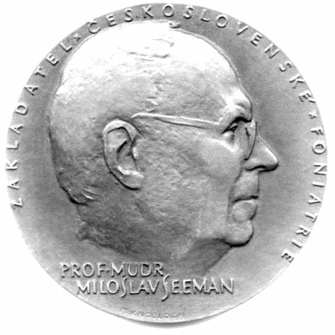 Medaile vydaná u příležitosti oslav 90. výročí narození prof. M. Seemana, která byla předávána našim i zahraničním význačným foniatrům.