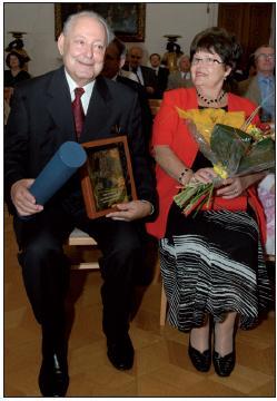 Prof. MUDr. Pavel Klener, DrSc., nositel Ceny Jana Evangelisty Purkyně za rok 2011, s manželkou Marcelou.