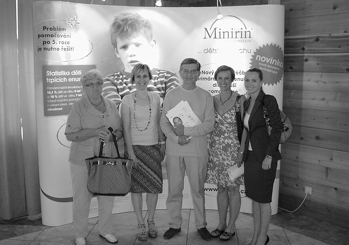 Prof. J. Janda s kolegyněmi