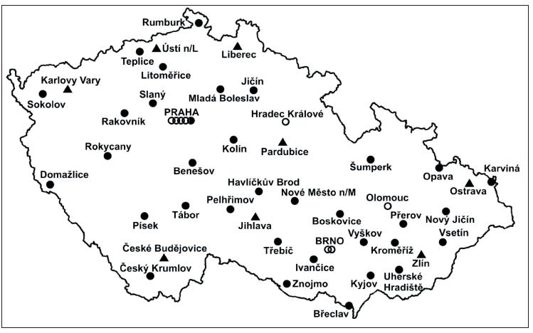 Pracoviště zapojená do studie OBAAMA-CZ (fakultní (kroužek), krajské (trojúhelník), lokální(tečka)