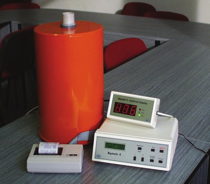 Měřič aktivity Bqmetr 4, výroba Z. Dutka