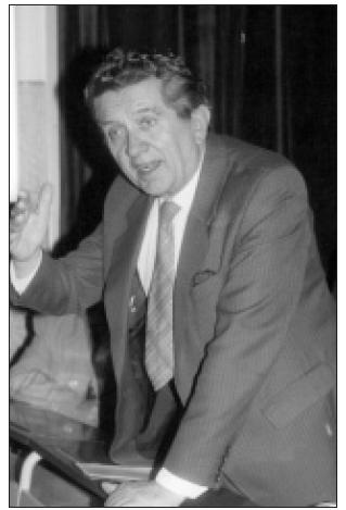 Prof. MUDr. Mikuláš Takáč, DrSc., ako krajský internista Východoslovenského kraja, pri diskusii na seminári KÚNZ r. 1985, v Košiciach
