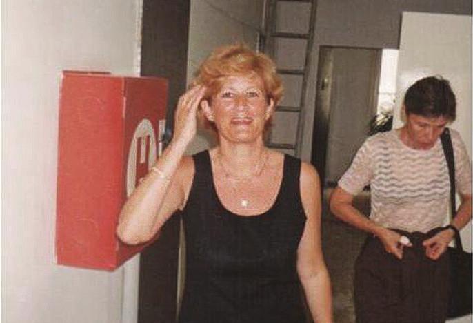 Vrchná rádiologická asistentka pani Marta Kubáňová víta PET kameru.