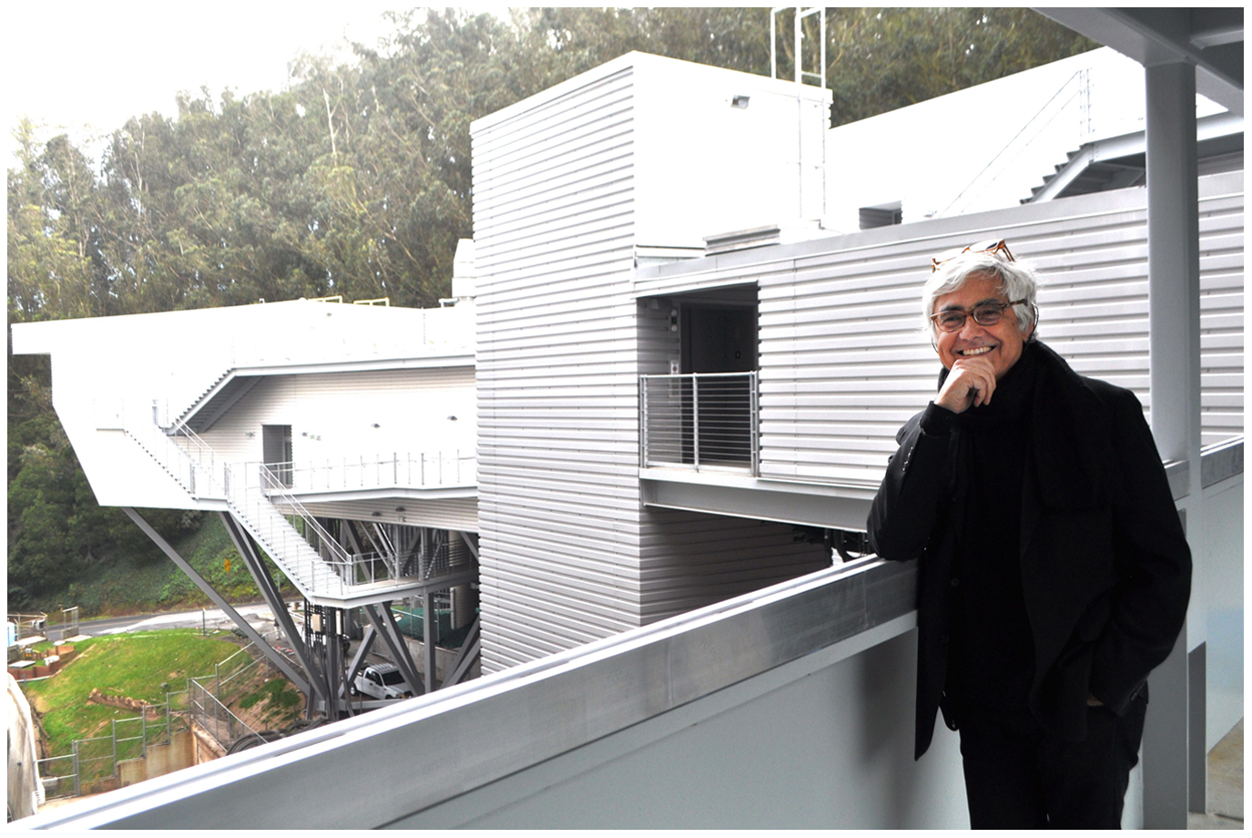Rafael Viñoly at the new Ray and Dagmar Dolby Regeneration Medicine Building.
