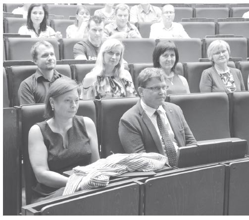 V první řadě – děkanka FaF VFU Brno doc. PharmDr. Ing. Radka Opatřilová, Ph.D., MBA a předseda ČFS ČLS JEP prof. PharmDr. Martin Doležal, Ph.D.