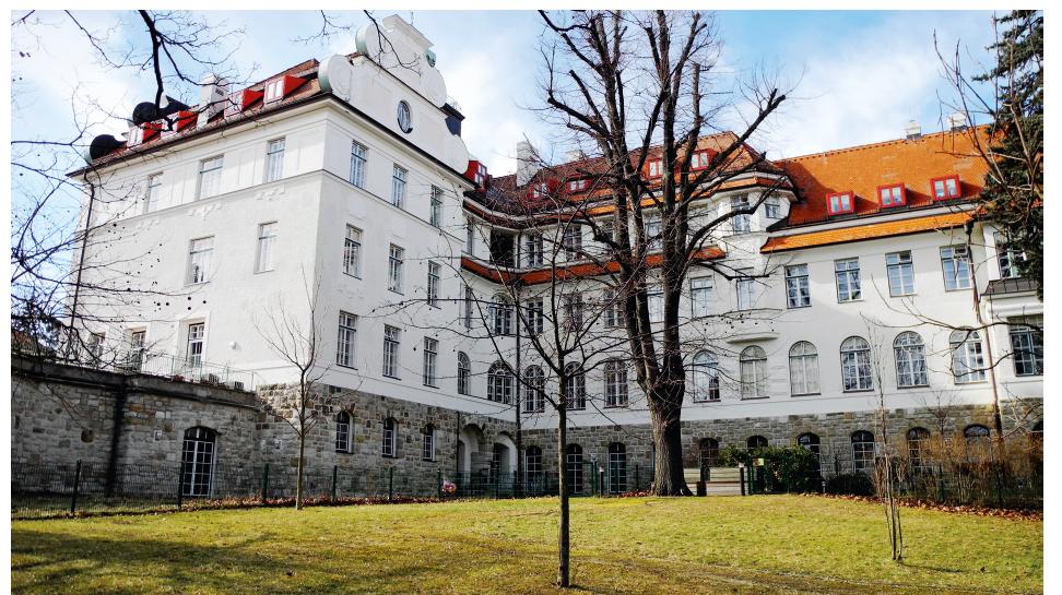 Současná podoba budov ústavu ve Vídni-Glanzingu.