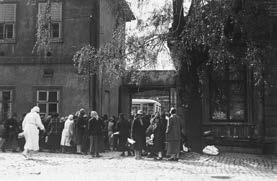 Stěhování ze zrušeného chorobince na Karlově do Masarykových domovů