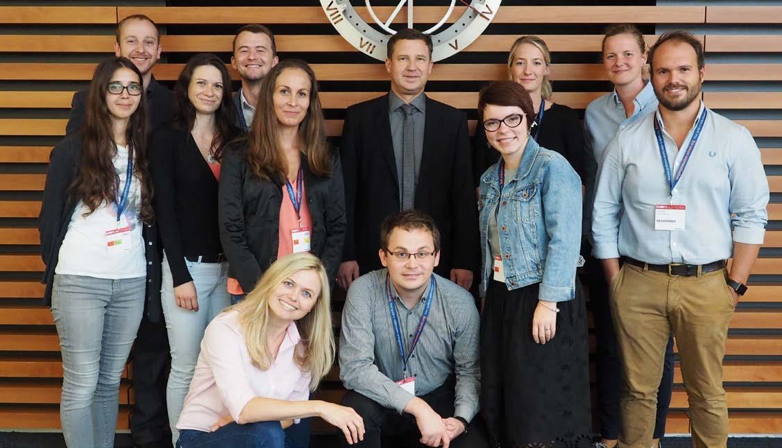 Čeští a slovenští účastníci s prof. Horou<br> Fig. 2. Czech and Slovak participants with prof. Hora